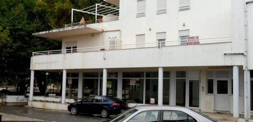 Loja 125 m2 – Lg Conde Ferreira – Soure